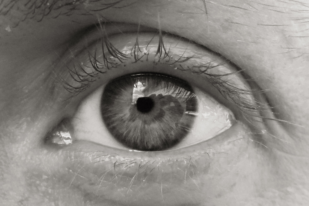 3 Benefits to Keeping Your Eyes Moist